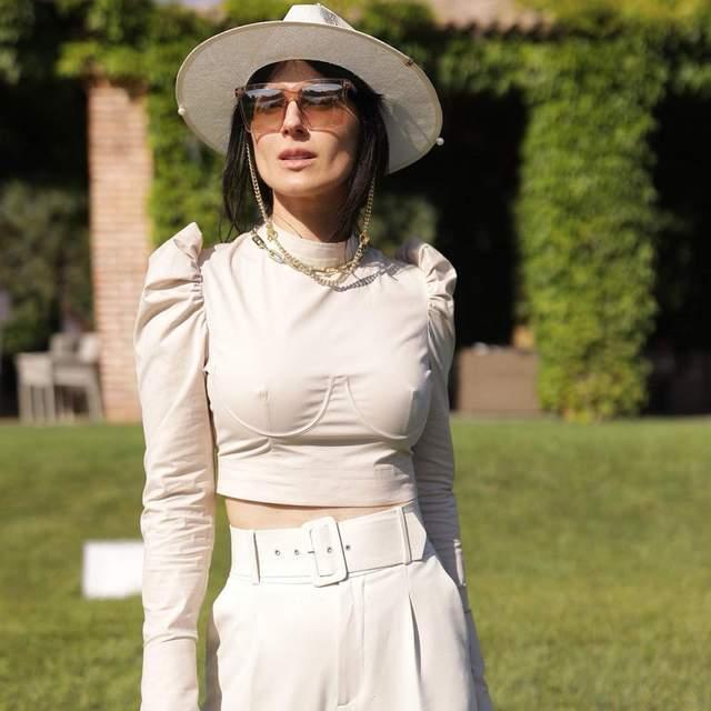 Маша Єфросиніна у вбранні від українських брендів