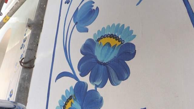 Самая большая Петриковская роспись: в храме Мариуполя хотят установить рекорд