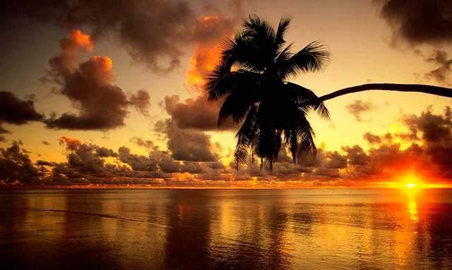 Неймовірний захід сонця на Багамських островах