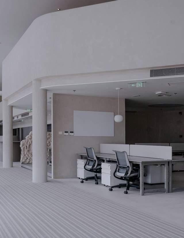 Оновлене приміщення виглядає футуристично / Фото Deezen