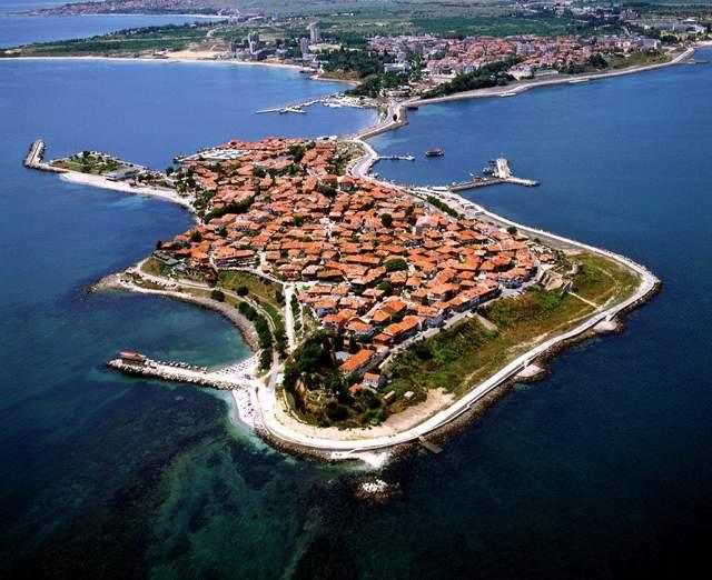 Несебр - популярне курортне місто серед туристів