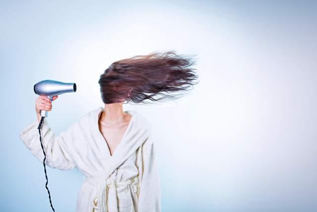 Як сушити волосся