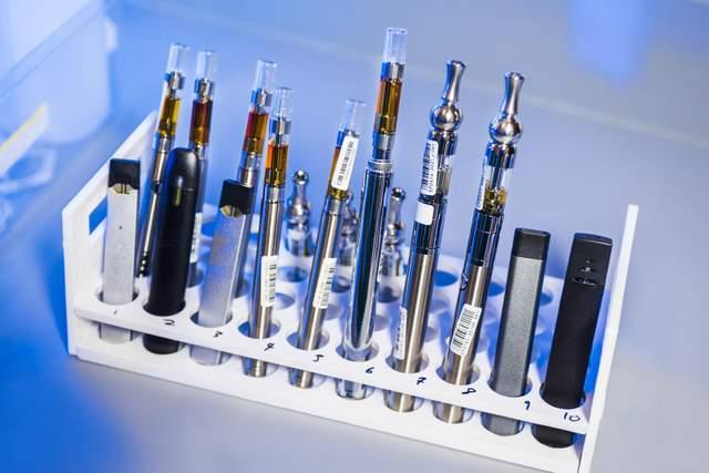 електронні замінники сигарет