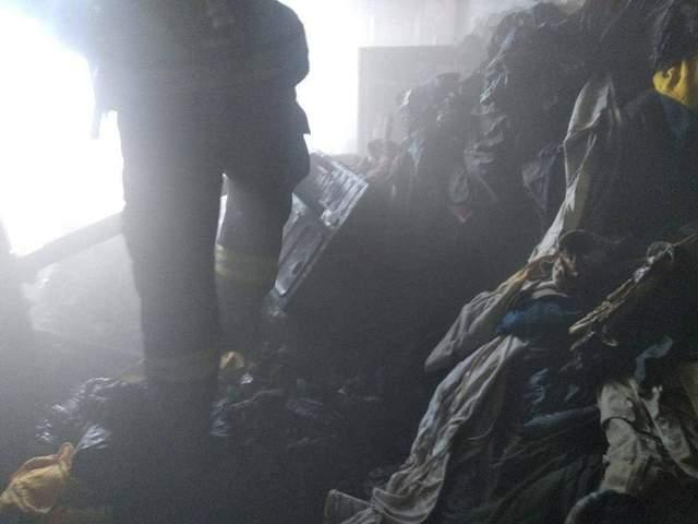 Жінка згоріла живцем на балконі в Києві: яка причина – моторошні фото, відео (18+)