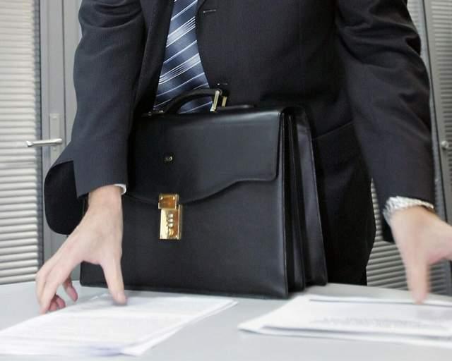 Як вага чиновника впливає на схильність до корупції: дослідження