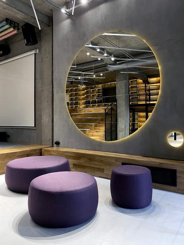 Інтер'єр бюро в індустріальному стилі / Фото Archdaily