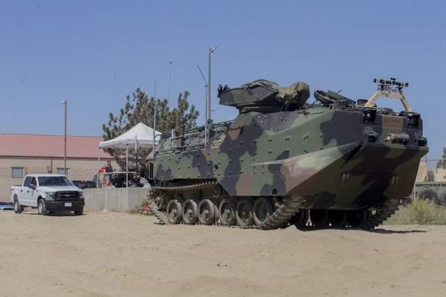 Авария машины-амфибии в США: один морпех погиб, еще восьмерых ищут