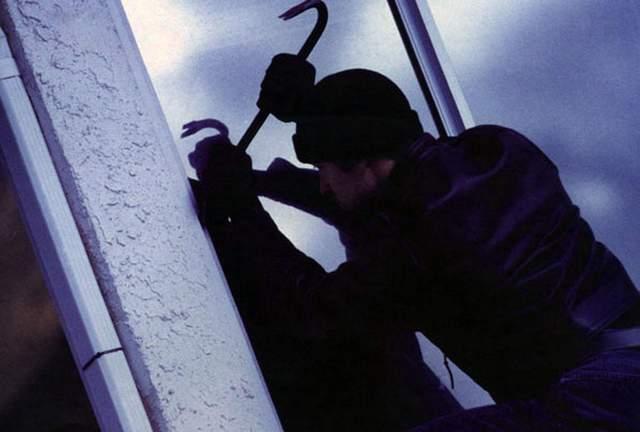 Чем опасны открытые окна и как защититься: полезные советы