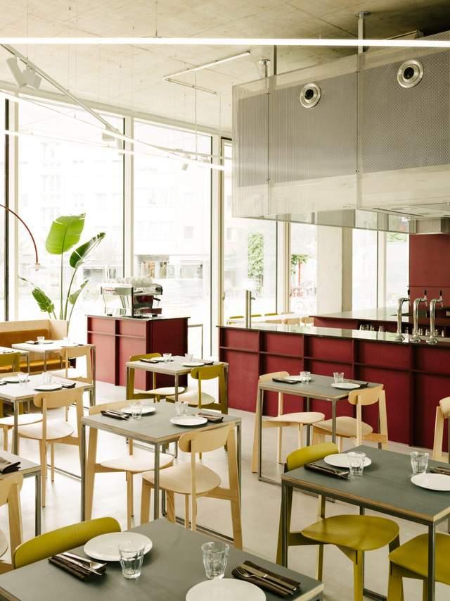 У ресторані багато місця / Фото Deezen