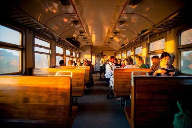 Львовский фотограф победил на международном конкурсе: фото из электрички Мукачево-Львов