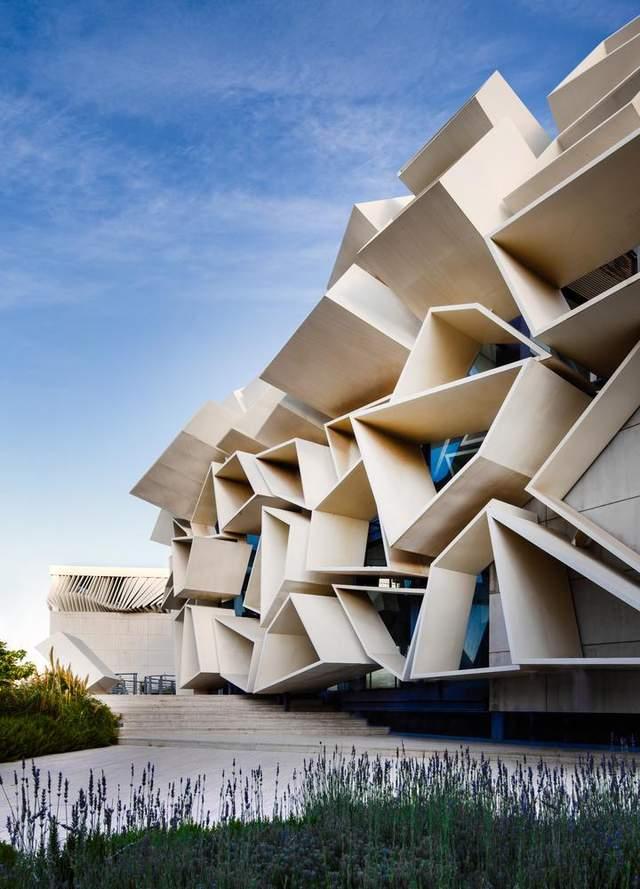 Мечта Дали: в Иране построили сюрреалистический выставочный центр – фото