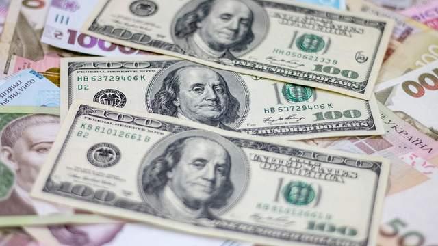 Курс валют на 25 серпня: після тривалих вихідних гривня зміцніла