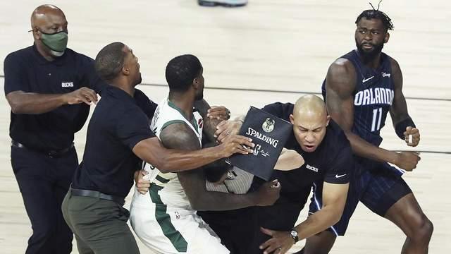 Баскетболісти НБА влаштували хамську бійку на паркеті: відео
