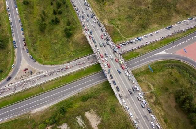 В Литве на цепь солидарности с Беларусью вышли десятки тысяч людей: фото