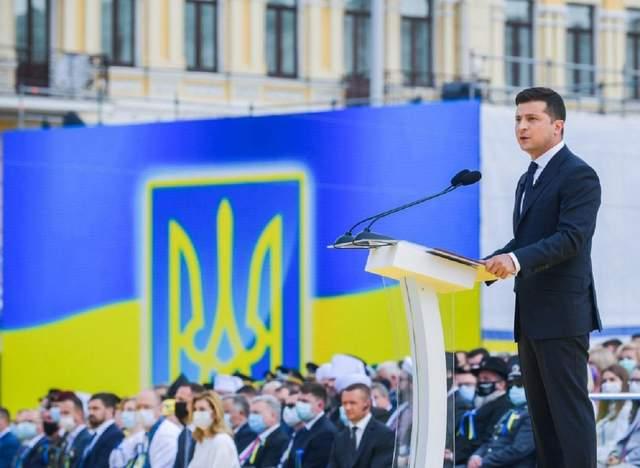 """""""Україна починається з тебе"""": головне з промови президента Зеленського до Дня Незалежності"""