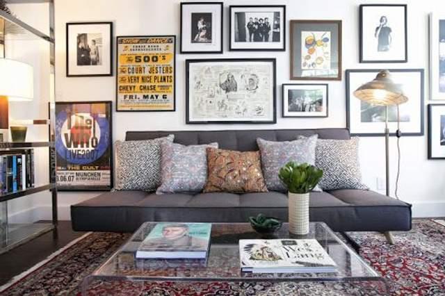 Как украсить комнату плакатами: крутые идеи на осень