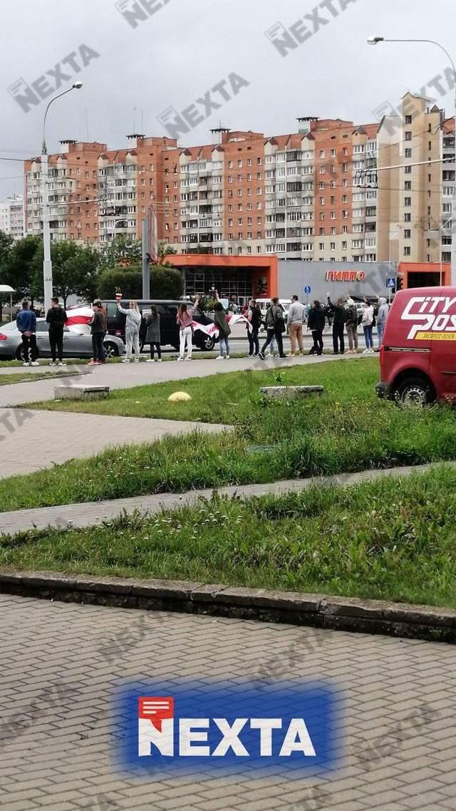 Цепи солидарности в окружении силовиков: что происходило в Беларуси 28 августа – фото, видео