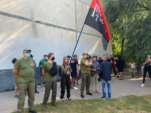 Расстрел автобуса под Харьковом: суд арестовал шестерых предполагаемых нападавших