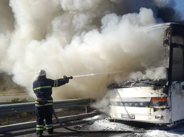 На трасі Київ – Одеса загорівся пасажирський автобус