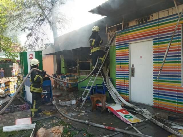 Рятувальникам вдалося затушити вогонь