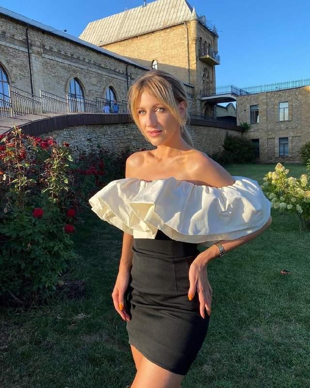 Леся Нікітюк одягнула сукню українського бренду
