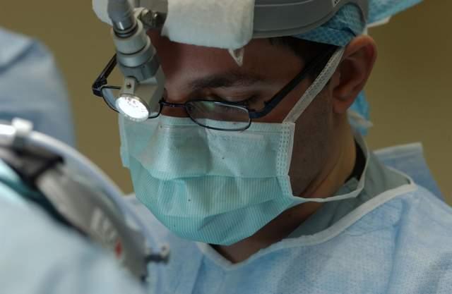 Почему врачи так часто делают кесарево сечение