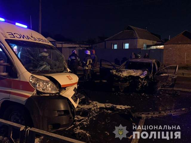 В Харькове легковушка столкнулась со 'скорой': пострадали трое медиков – фото
