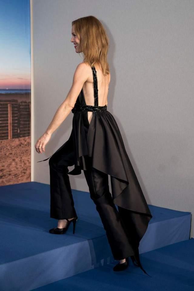 А ось так вбрання Ванесси Параді виглядало ззаду
