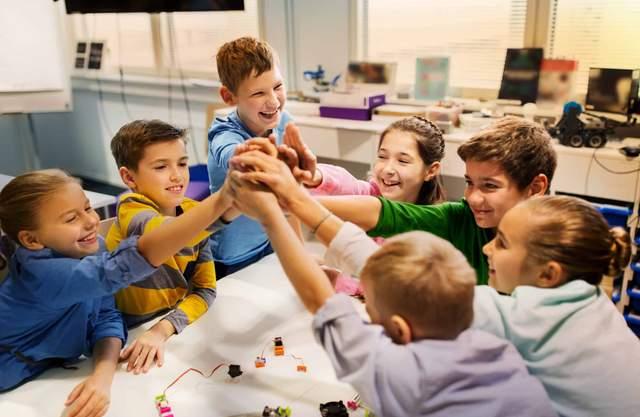 В Україні хочуть запустити Нову українську школу для учнів 5 – 9 класів: деталі