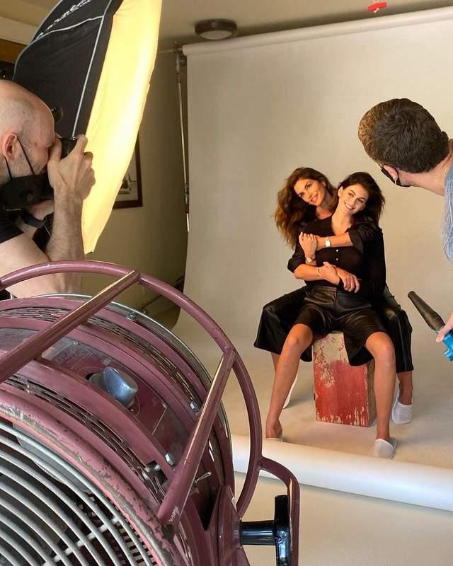Кайя Гербер и Синди Кроуфорд снялись в совместной фотосессии: миловидные фото