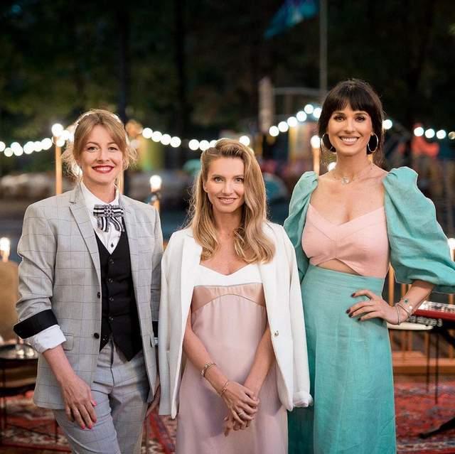 В красивом платье: Маша Ефросинина посетила мероприятие и показала модный образ