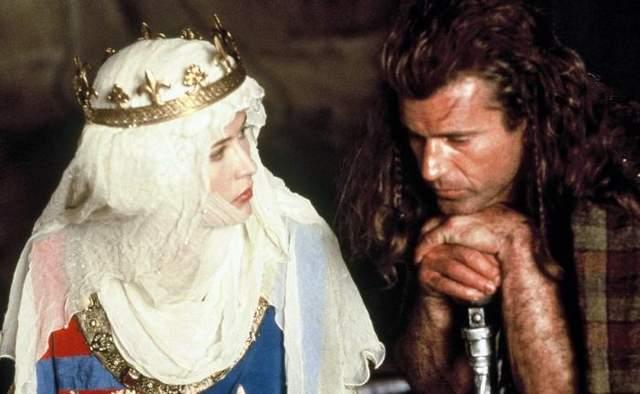 Этого просто не могло быть: 5 странных киноляпов в якобы исторических фильмах