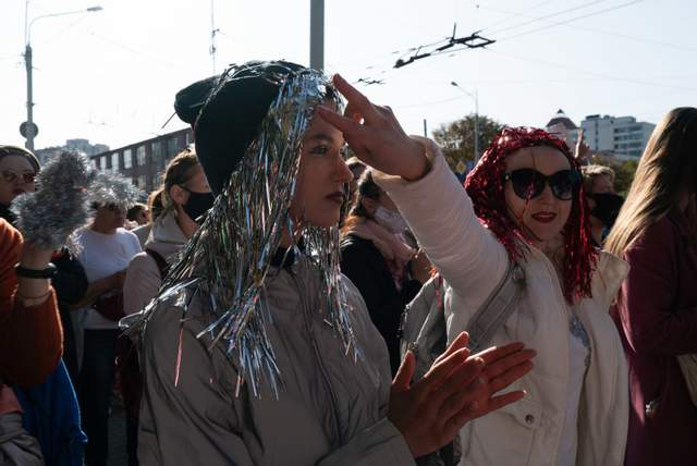 Душили и тащили по асфальту: жестокие задержания женщин на протестах в Минске в фото