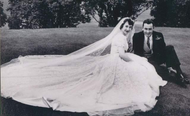 Закохані Оррі і Джон в день весілля