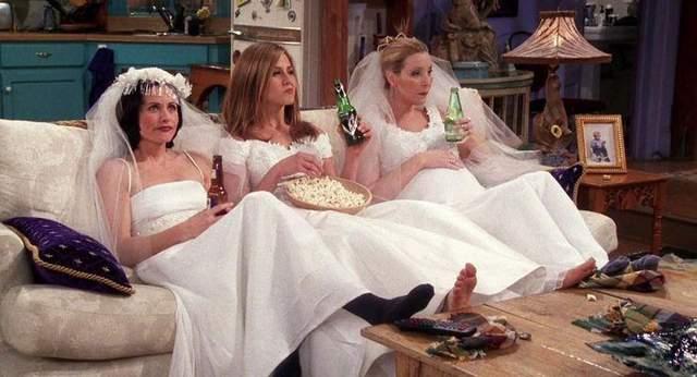 Весільні сукні у серіалі