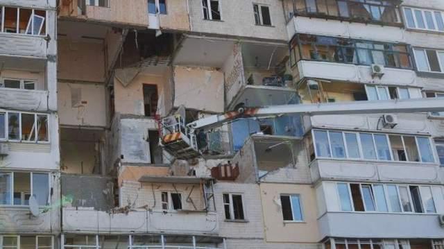 Рятувальники оглянули будинок на Позняках