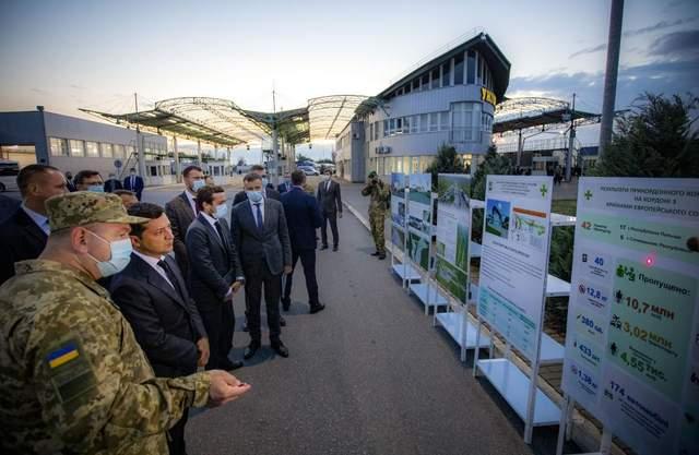 Шесть суток в очереди, – Зеленского возмутила ситуация на границе Украины и Словакии