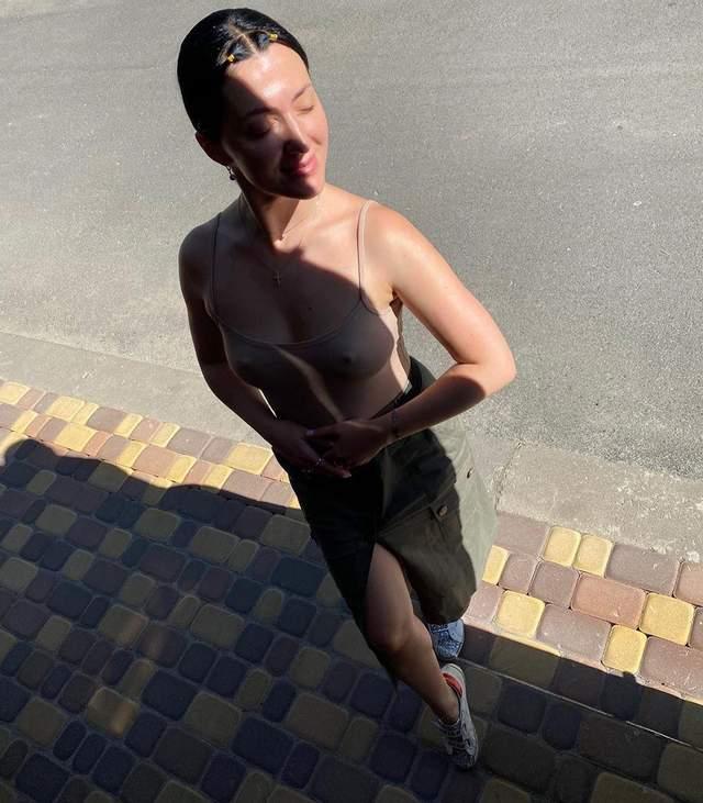 В боди без белья: жена Сергея Бабкина засветила грудь – провокационное фото