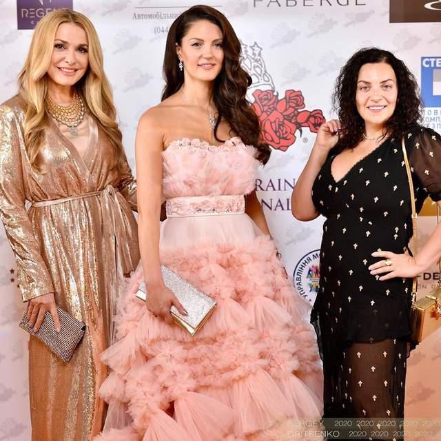 Ольга Сумська у блискучій сукні