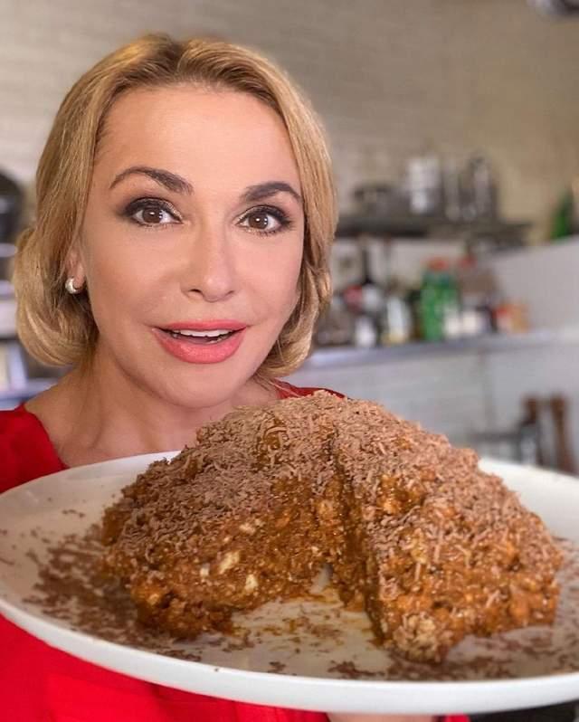 Торт 'Муравейник' без выпекания: кулинарный рецепт от Ольги Сумской