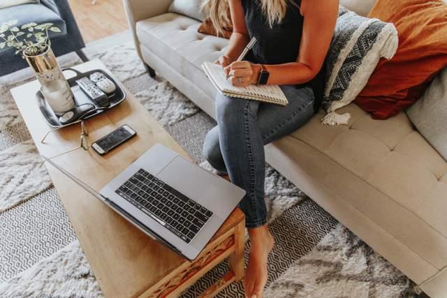 Асистент блогера