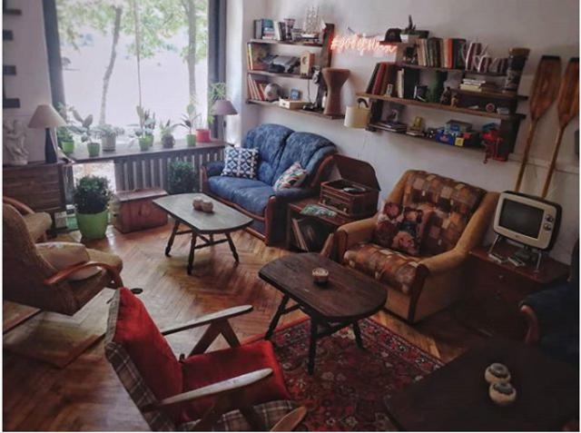 Мебель соответствует тематике заведения