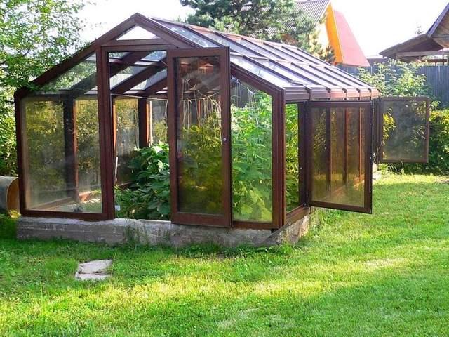 Теплица может украсить ваш сад