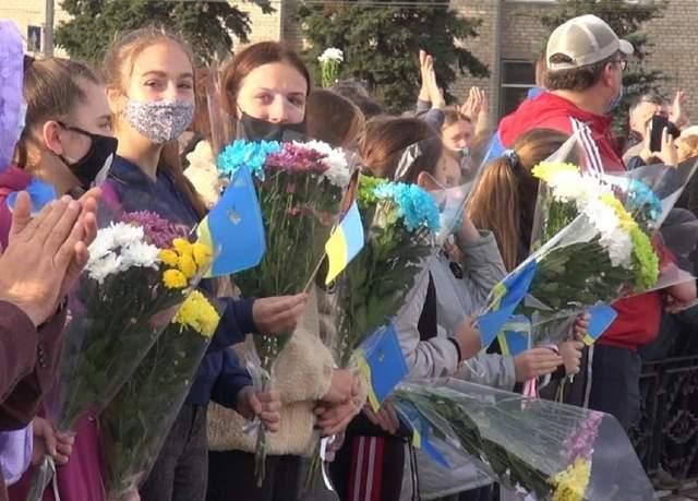На Луганщині провели рятувальників додому після ліквідації пожеж