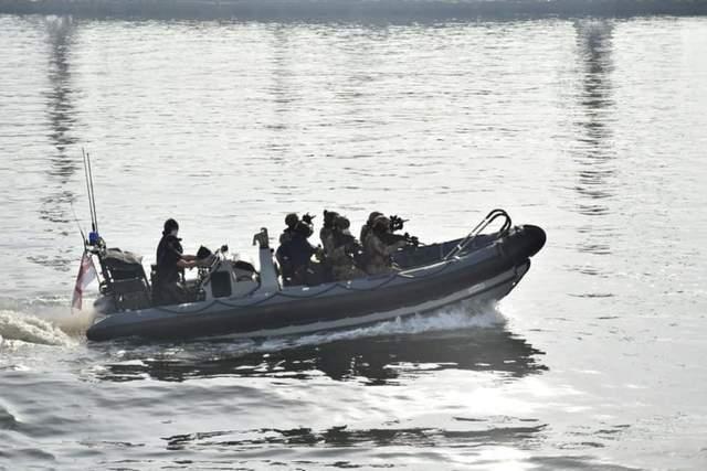 Українські військові провели тренування на британському есмінці