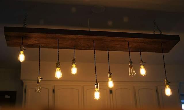 Багато ламп пасує ресторану, але не квартирі