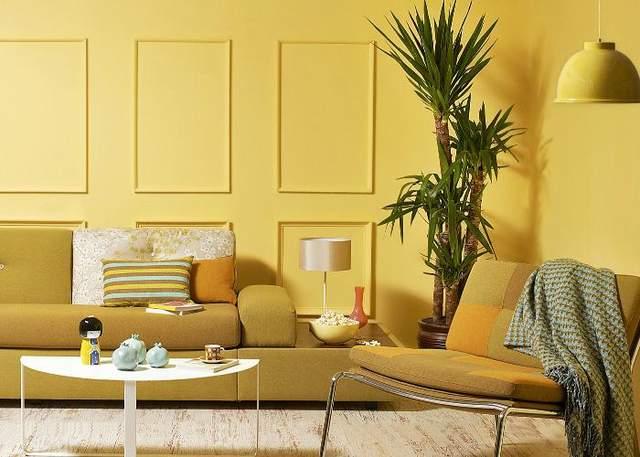 Яркий интерьер лучше выглядит в больших помещениях