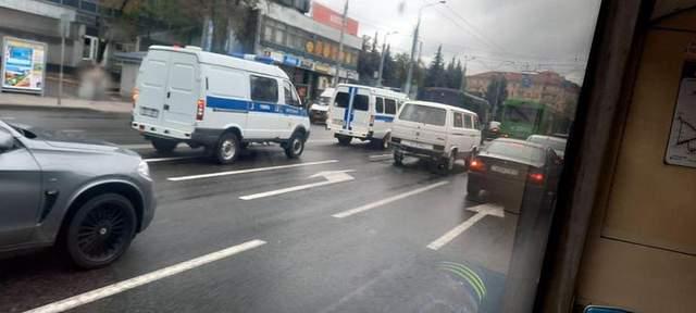 Гомель, автозаки, тоновані буси, протести в Білорусі, 18 жовтня