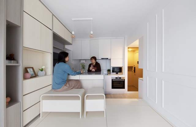 Стіл для чайних церемоній можна дістати з підлоги