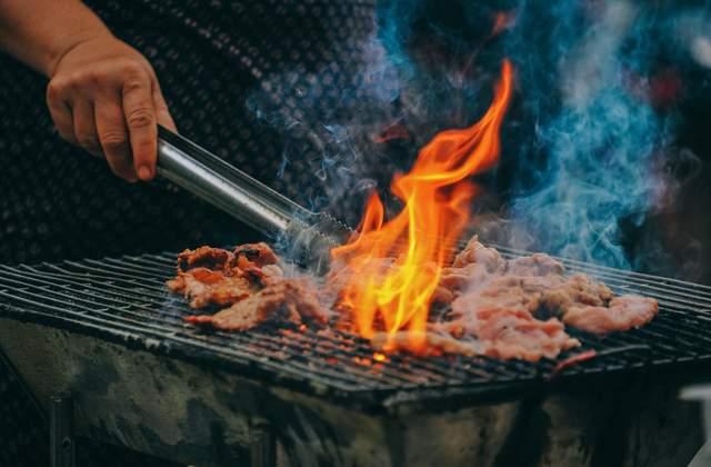 На грилі їжа готується надзвичайно швидко